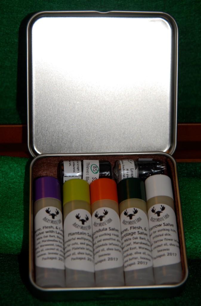 tin-kit-05
